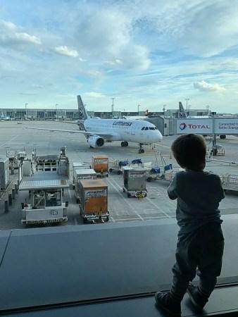 che il viaggio abbia inizio all'aeroporto di francoforte