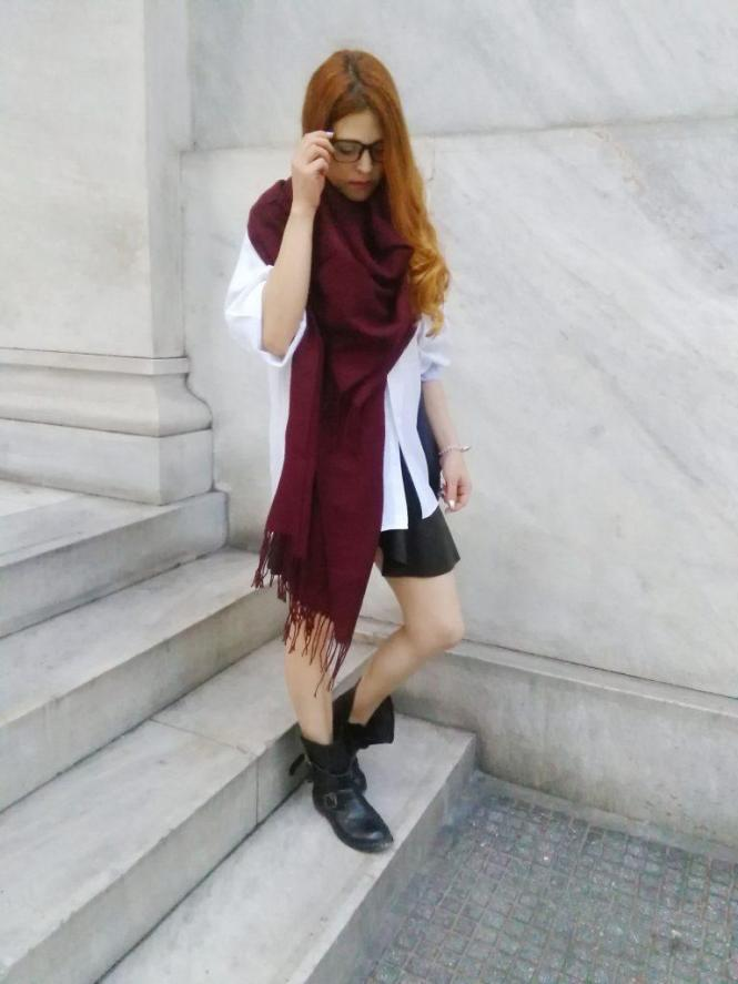 fall outfits layering how to wear oversized boyfriens shirt leather skirt