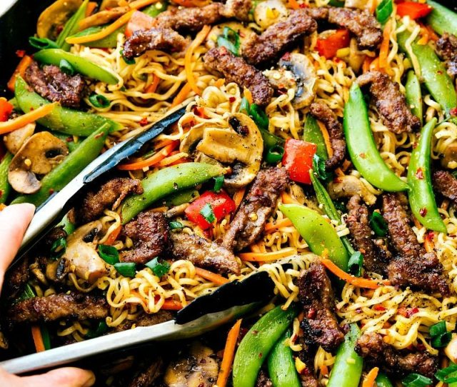 Garlic Beef And Veggie Ramen Is An Easy 30 Minute Dinner Recipe That Is So