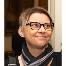 Dr. Zsuzsanna Gyenes