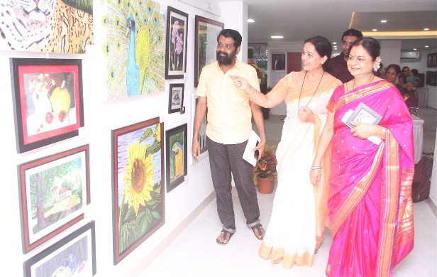 Navins exclusive art gallery
