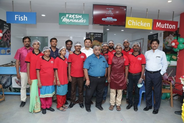 Team TenderCuts at the Valasaravakkam Store Launch with Dr. Chef Damu (Centre) & Dr. V Pasupathy (R)