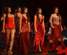 Narendra Kumar grace the Ramp at Bangalore Times Fashion Week at JW Marriott on 08th Oct 2017_7