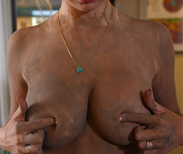 Lily Ivy Nude Mud Session For Zishy