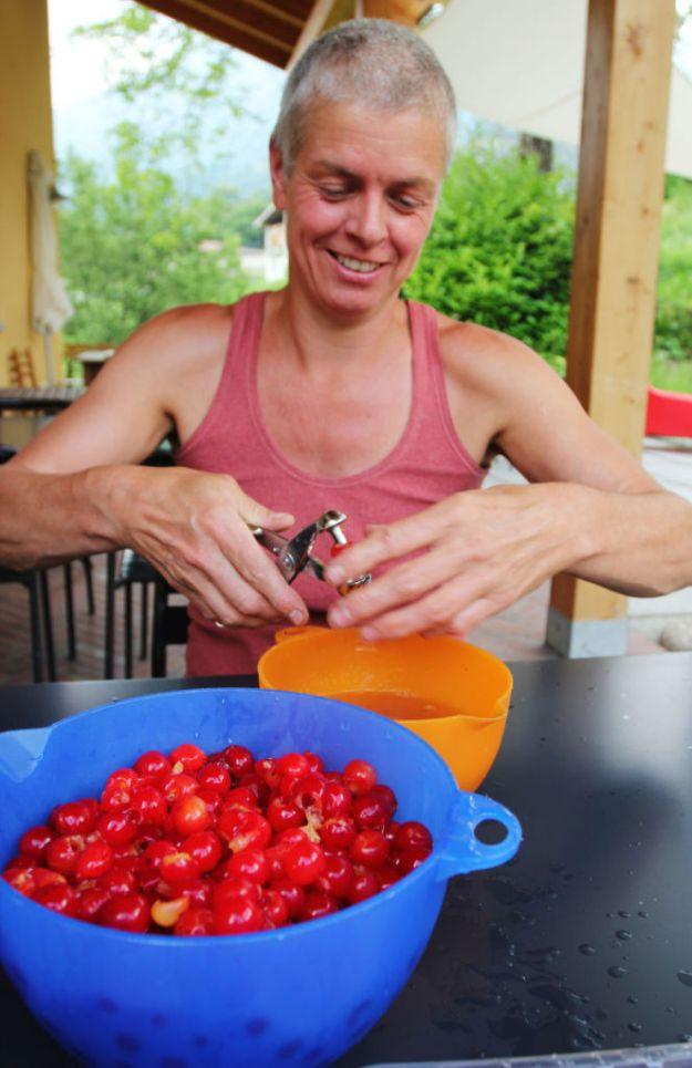 Pitting Italian cherries