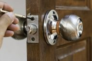 locksmith doing job