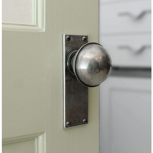 Finesse Design Pewter Beamish Knobs On Plain Backplate