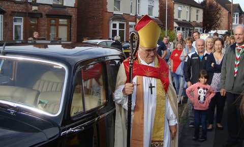 bishop-rt-revd-dr-peter-foster-arrives-at-the-church