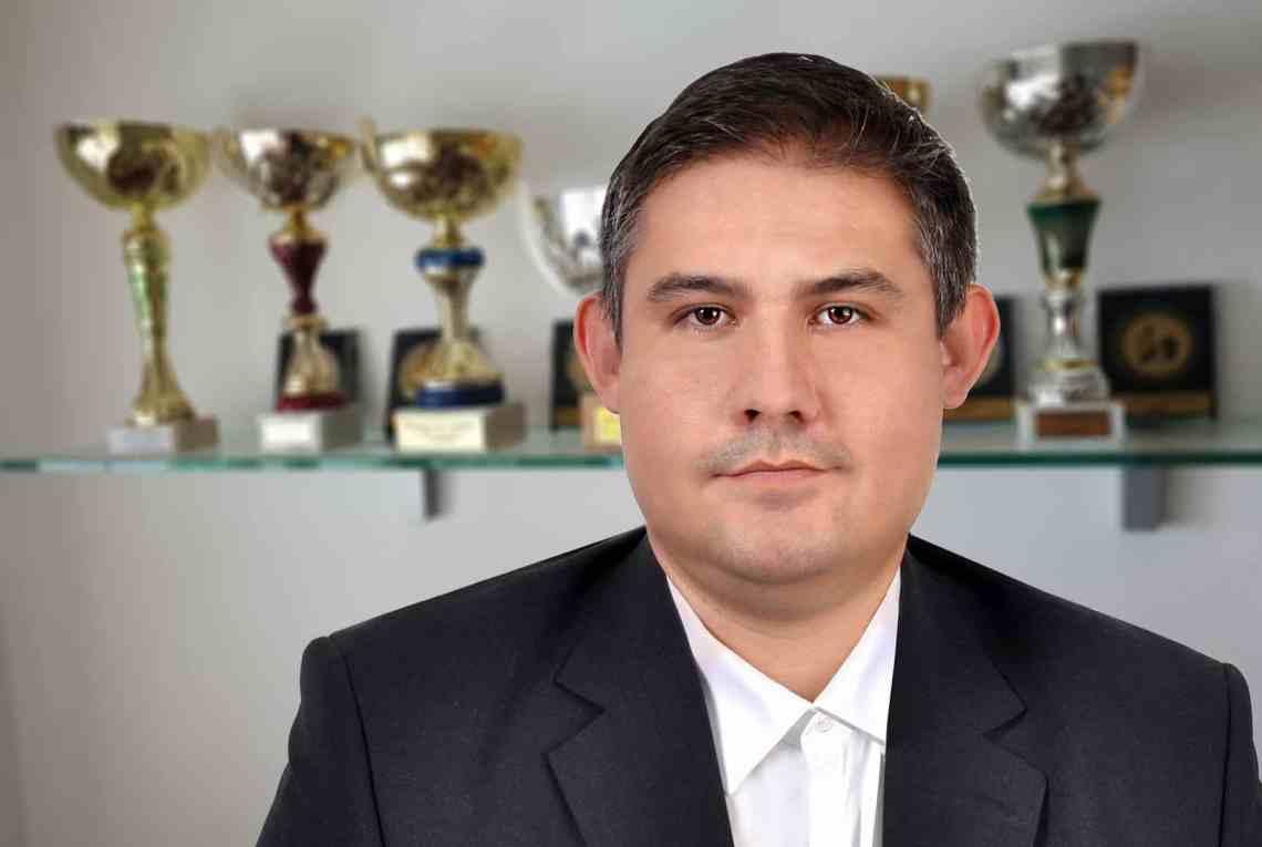 Can Fabiano Caruana beat Magnus Carlsen? Chessable author Marko Makaj gives his view