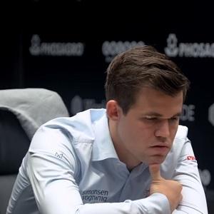 Magnus Carlsen mantiene el titulo de campeón del mundo de ajedrez