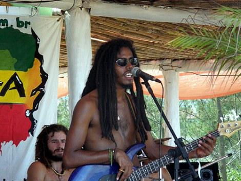 Música en Vivo - Ferrugem - Garopaba