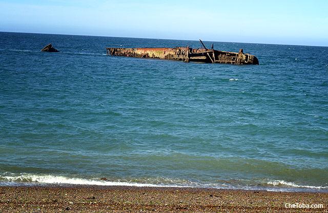 Barco hundido Puerto Madryn