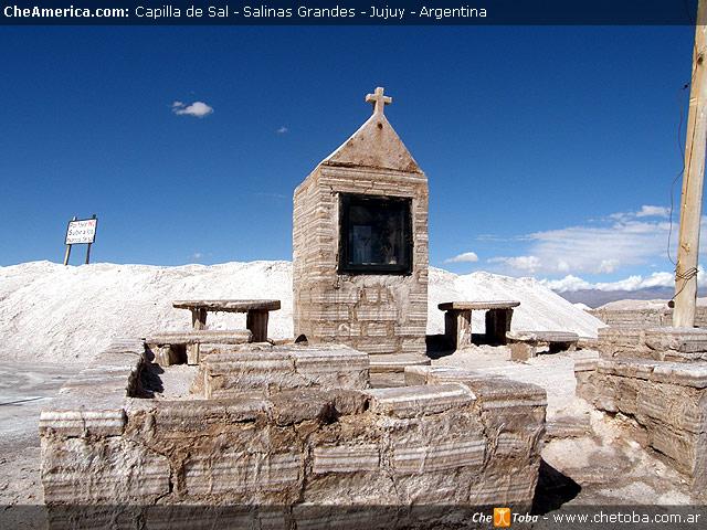 Capilla construída con ladrillos de Sal