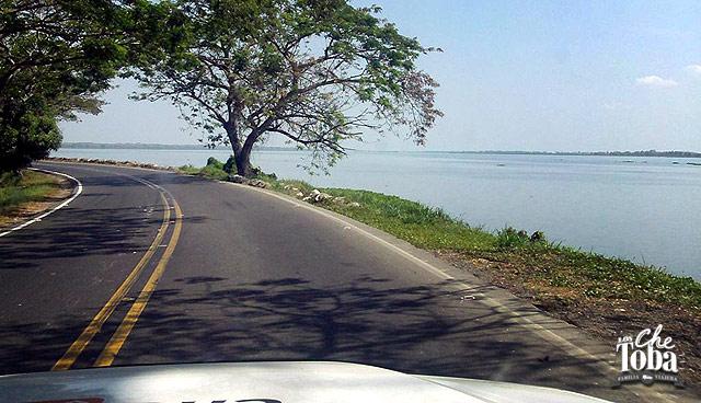 paisaje-ruta-junto-al-mar