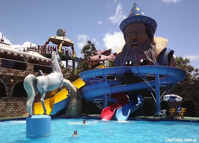 pileta-merlin-parque-acuatico