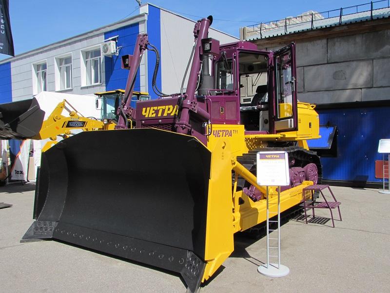 бульдозер ЧЕТРА Т11 на 24-ой выставке Уголь России и Майнинг