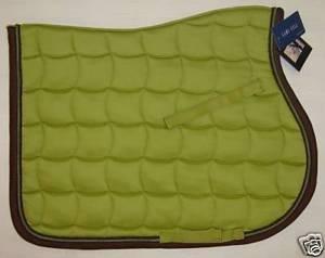 recherche tapis vert pomme framboise