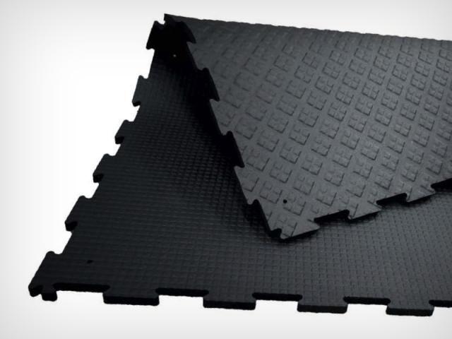 tapis caoutchouc pour boxe en destockage