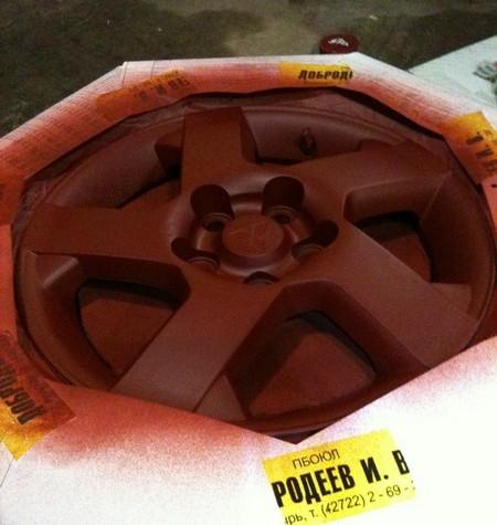 Грунтуем диск перед покраской