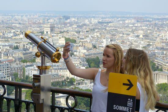 2e étage de la Tour Eiffel selfies