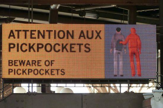 Consignes file d'attente Tour Eiffel
