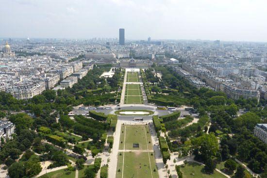 Tour Eiffel vue du 1er étage Champs de Mars