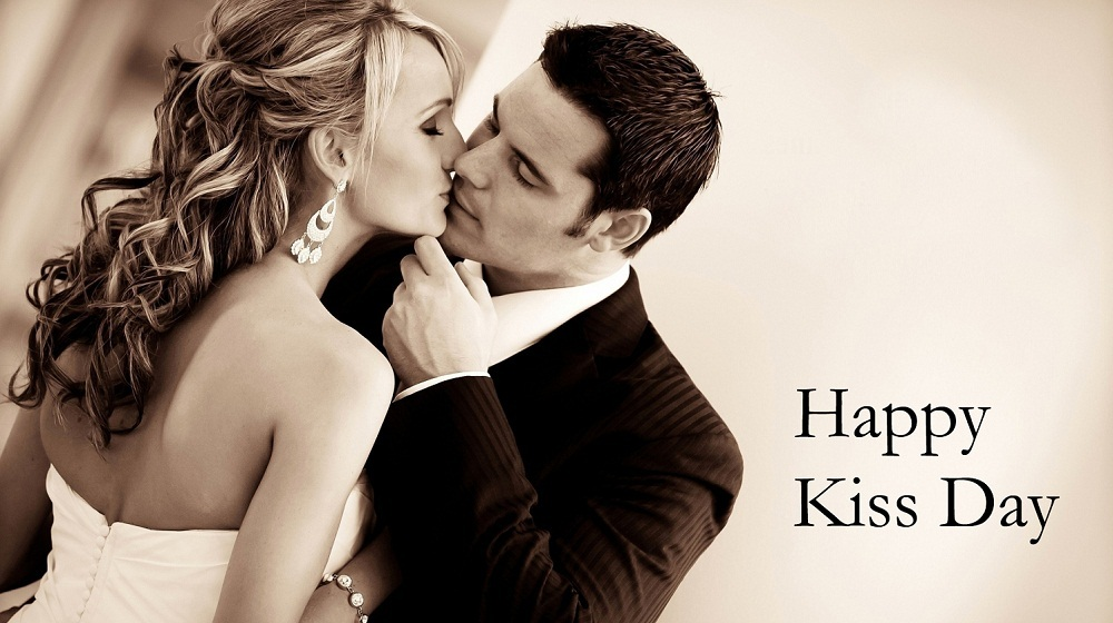 Cute-Kissing-Couple-Wishes-Happy-Kiss-day
