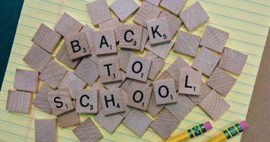 back to school, ritorno a scuola, materiali per scuola