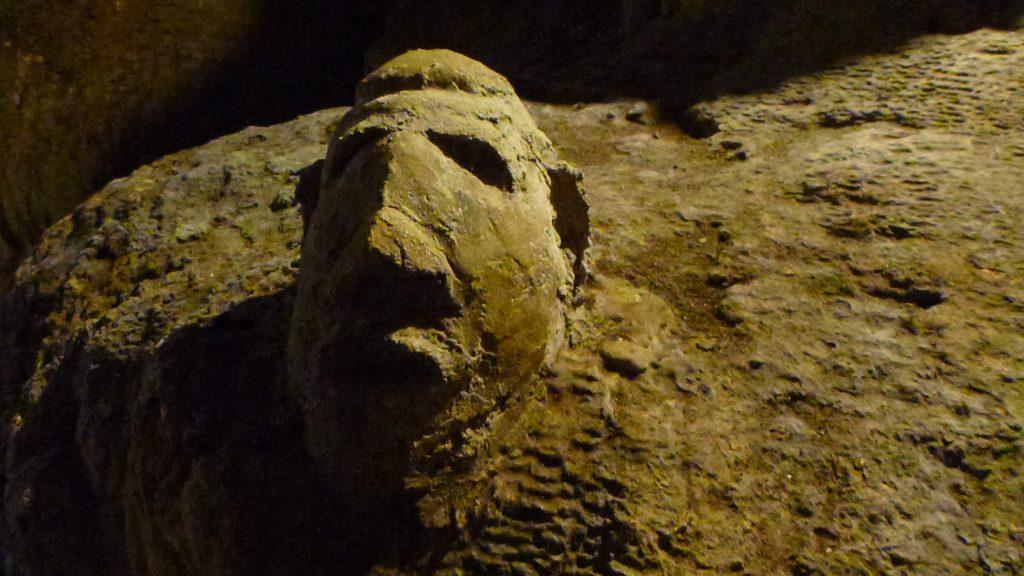 Phrom Ruesi hermit of chiang dao cave history