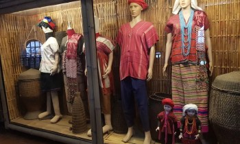 exhibit of tribal dress Golden Triangle Tour
