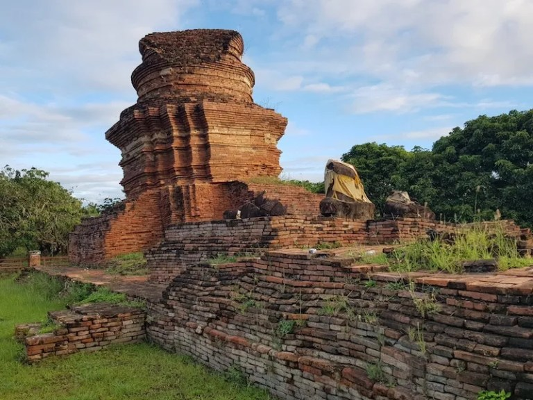 Ruined temple ancient ruins in North Thailand Wiang Tha Kan