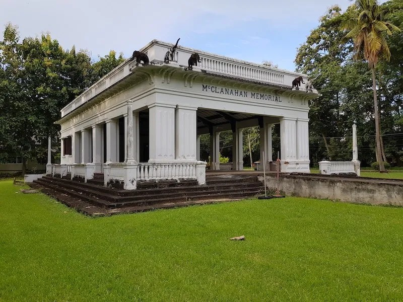 Roman style building