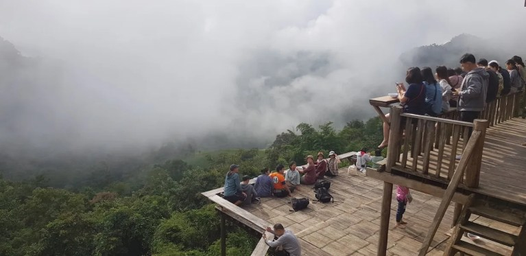 Tourists on bamboo viewdecks Things to do Mae Hong Son Attractions