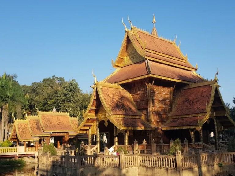 Buddhist temple building