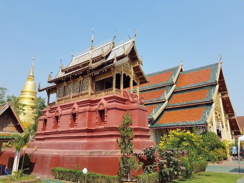 Small building in a Buddhist temple