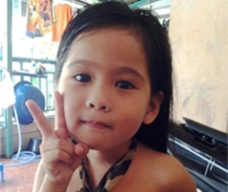 The young girl was left behind in the vehicle after it arrived at Anongvet Kindergarten School - See more at: http://www.thephuketnews.com/forgotten-child-in-school-van-dies-38717.php#sthash.gpoBWiCF.dpuf     The young girl was left behind in the vehicle after it arrived at Anongvet Kindergarten School