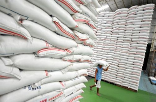 A source at an arranging bank for the bond said the terms would be unchanged from November when the Bank of Agriculture and Agricultural Cooperatives, which funds the scheme, raised only half the 75 billion Thai baht ($2.27 billion) it wanted.