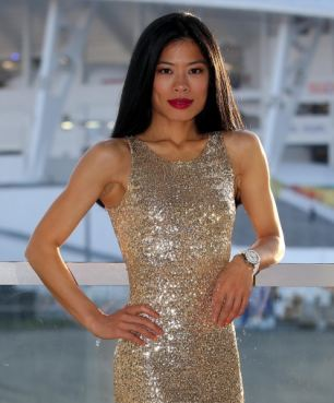 My only gold moment at these Olympics will be this dress,' she quips Read more: http://www.dailymail.co.uk/femail/article-2554936/Violin-star-Vanessa-Maes-devastation-rift-mother-Olympic-skiing-hopes-racing-downhill.html#ixzz2spgWU1wN Follow us: @MailOnline on Twitter | DailyMail on Facebook