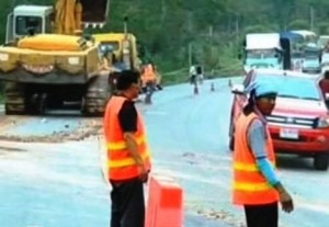 Heavy construction machinery was moved in to repair Highway 118 Chiang Rai-Chiang Mai
