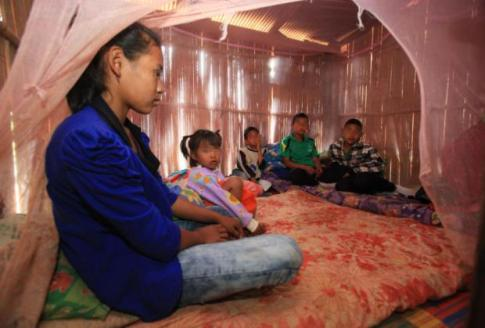 Wipa cares for her three younger brothers and a sister in a small bedroom in her aunt's house in tambon Mae Salong of Chiang Rai's Mae Fah Luang district. Their mother has been jailed on a drugs charge, while their father took his own life behind bars for the same offence.Tawatchai Kemgumnerd