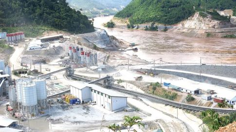 Construction of the Xayaburi Dam in Laos still continues
