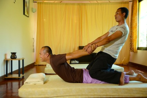 Gallery-Spa2-museflower_retreat_spa_thai_massage_stretching