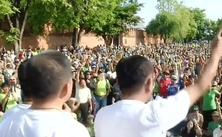 Protesters Hold Massive Rally in Chiang Mai Demanding the Demolition of Judicial Housing in the Foothills of Doi Suthep