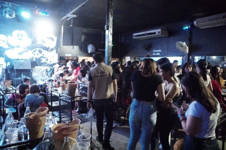 High Ranking Police Officers Busted in Night Club Packed with Minors