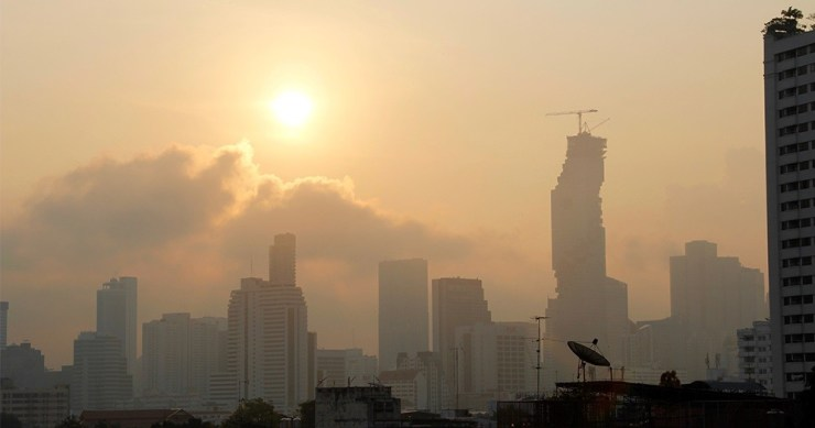 As Haze Worsens in Bangkok PM Orders Polluting Vehicles Off the Road