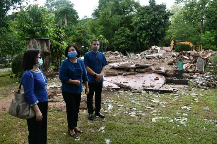 Colonial Trading Post Demolished
