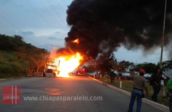 El libramiento fue cerrado a la circulación. Foto: Isaín Mandujano/Chiapas PARALELO.