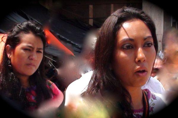 Las hijas de Adela Gómez Y Noé Hernández, explicaron que sus padres fueron detenidos por solución a las demandas de las organizaciones sociales y campesinas. Foto: Ángeles Mariscal/Chiapas PARALELO