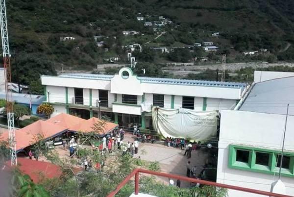 La presidencia municipal de Amatenango de la Frontera también fue tomada por maestros y maestras. Foto: Chiapas PARALELO