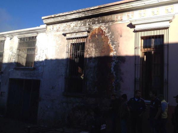Casas consideradas monumentos históricos, fueron dañadas por el incendio. Foto: Fredy Martín Pérez